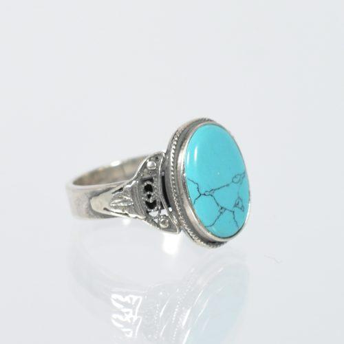 Διαχρονικό οξειδωμένο δαχτυλίδι με ορυκτή πέτρα